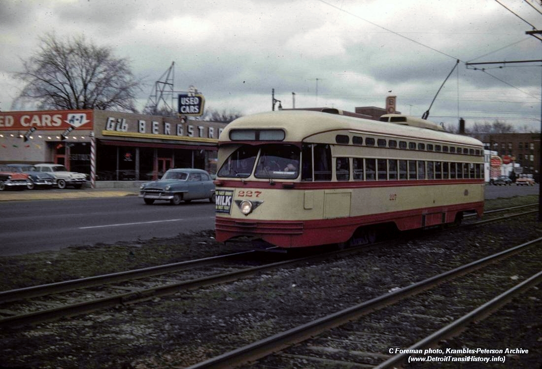 Bergstrom Used Cars >> DETROIT TRANSIT HISTORY.info: PCC Photos 1940's - Pg.3